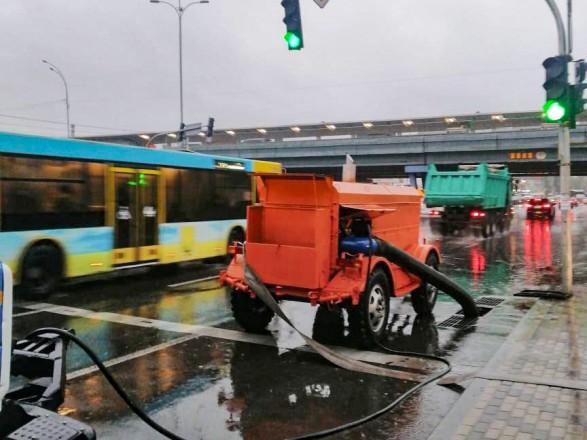 Коммунальщики заверили, что подтоплений проблемных мест из-за ливня в Киеве нет