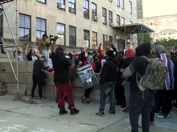 Протесты в США: в Висконсине обострились столкновения из-за гибели афроамериканца