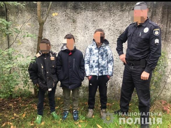 Трое малолетних в Закарпатье осуществили надругательство над могилами