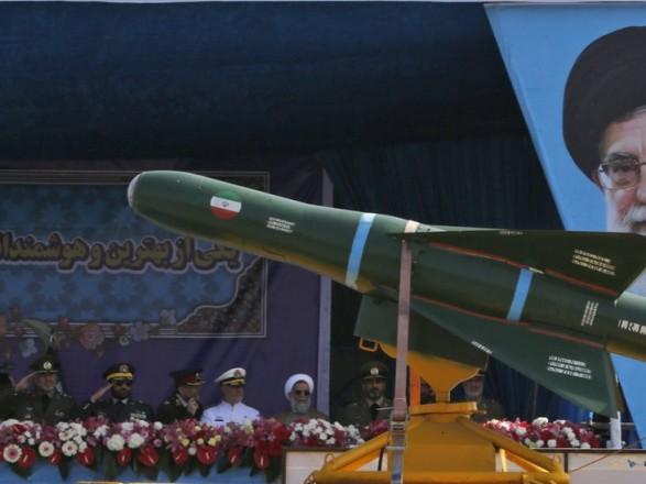 США пригрозили санкциями за торговлю оружием с Ираном
