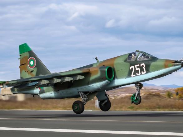 Ситуация в Карабахе: Азербайджан заявил, что сбил армянский Су-25, Ереван - отрицает