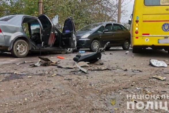 Тройное ДТП в Киеве с участием маршрутки: семь пострадавших и один погибший