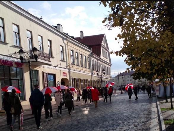 """Протесты в Беларуси: задержанные на """"женском марше"""" и новое обращение Тихановской"""