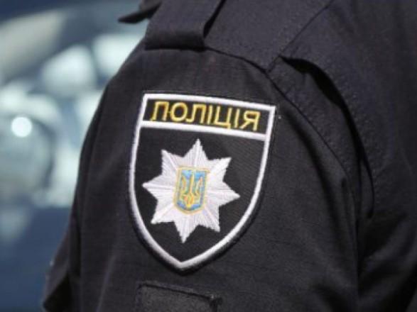 В Сумской области на избирательном участке мужчина ругался и сопротивлялся полиции
