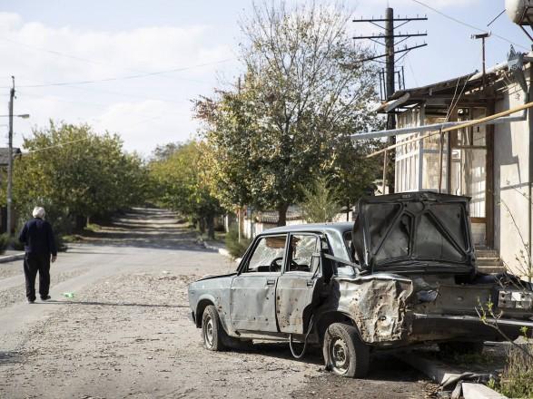"""Ситуация в Карабахе: Азербайджан заявил о """"праве уничтожать военные объекты врага, где они бы не находились"""""""