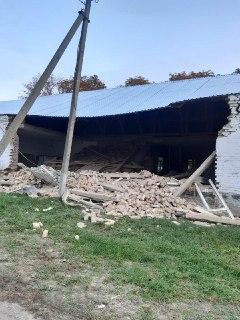 В Кировоградской области в результате обрушения здания человек оказался под завалами