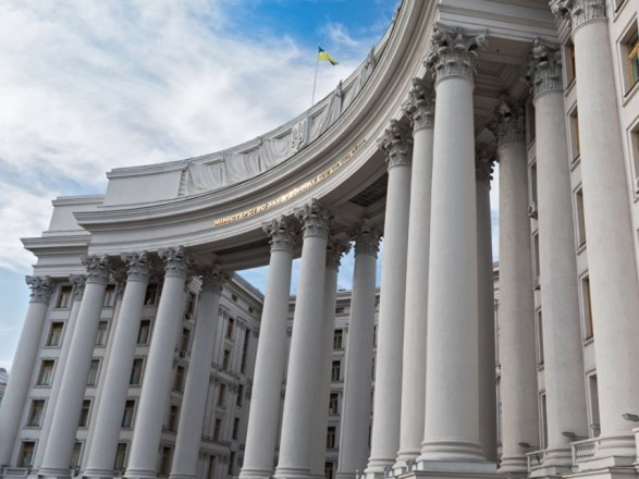 """Украина приветствует прекращение войны в Карабахе и дала совет касательно """"следующего шага"""""""