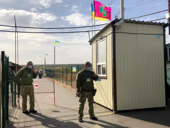 """Из семи КПВВ на Донбассе до сих пор полноценно функционирует только """"Станица Луганская"""""""