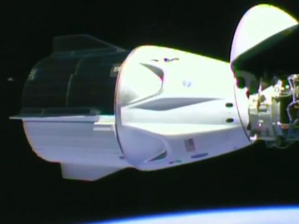 Космічний корабель Crew Dragon пристикувався до МКС