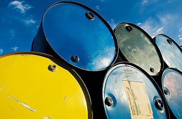 Нефть Brent упала в цене ниже 44 долл. за баррель