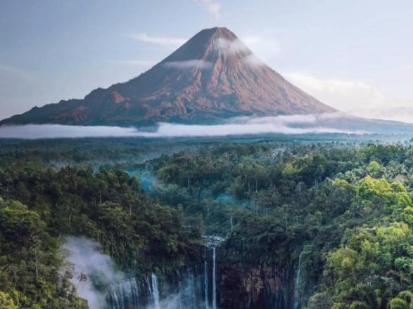 Кабмин одобрил введение безвиза с Индонезией