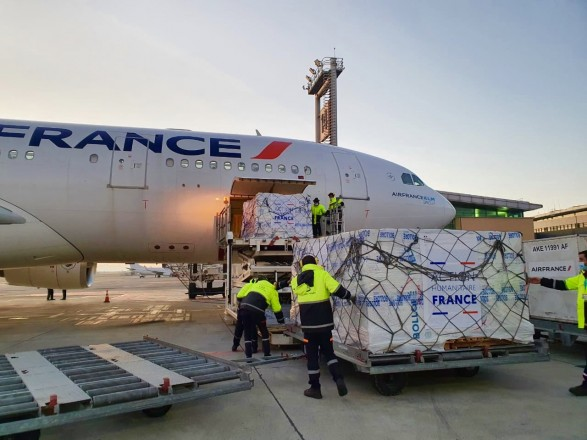 Ситуация в Карабахе: Франция официально начала программу помощи армянам, пострадавшим в регионе