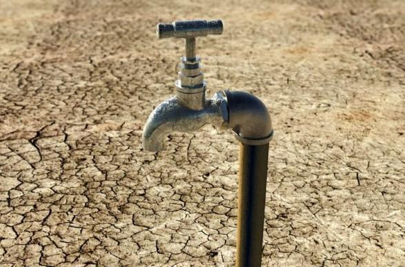 В Зеленского заявили, что в Крыму не хватает воды, потому что РФ направляет ее на военные базы
