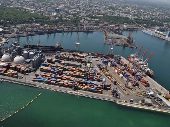 В Одесской области пустили слухи о разливе нефтепродуктов с буксира: в порту Черноморска назвали это фейком
