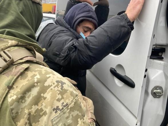 В Киеве на двух рынках обнаружили около 15 незаконных мигрантов