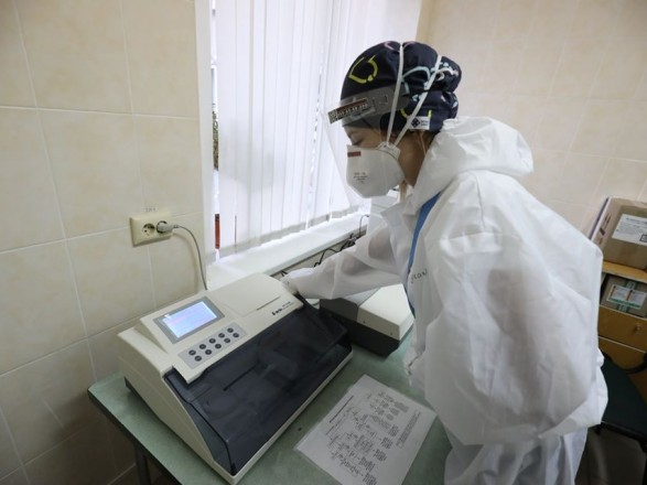 В Минздраве рассказали, какие лаборанты получают выплаты за работу с COVID-19