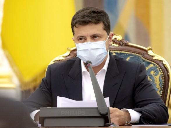 """Зеленский заявил о """"положительной динамике заболеваемости COVID-19"""""""