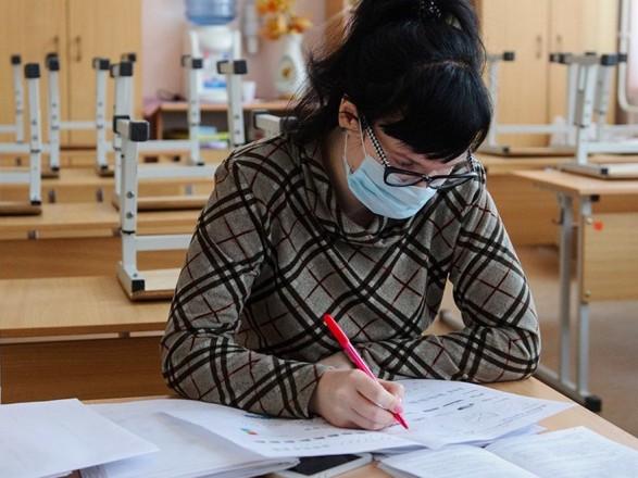 """В Киеве """"на дистанционке"""" находятся более 600 классов"""