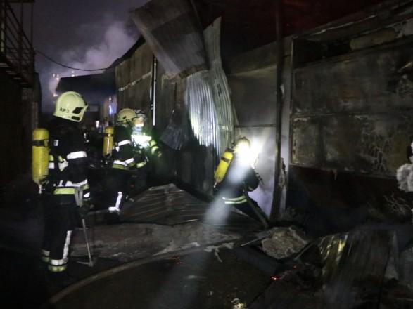 В Киеве произошел масштабный пожар на складе