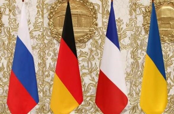 """Макрон и Путин """"обменялись мнениями"""" о переговорах в Нормандском формате"""
