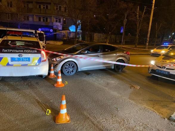 Не смог убежать от полиции: в Киеве водитель выстрелил себе в голову из пистолета