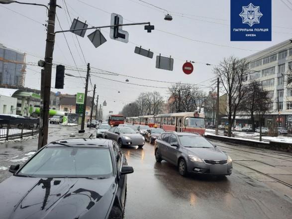 На столичном Подоле пробки из-за ДТП
