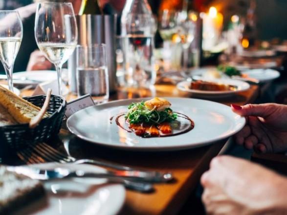 Ресторанам разрешили работать в новогоднюю ночь до утра