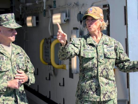 В США впервые назначили женщину командующим ядерного авианосца