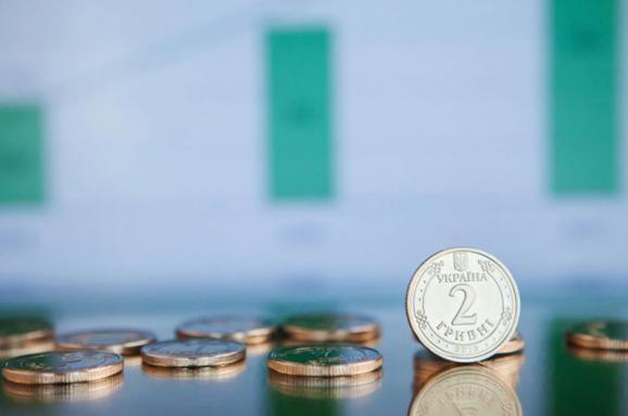 Украина в 2021 году потратит на выплату долгов более 620 млрд грн