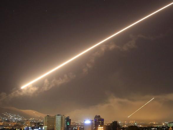 """Израиль нанес удар по объектам """"Хезболлы"""" в Сирии: 1 военный погиб, трое ранены"""