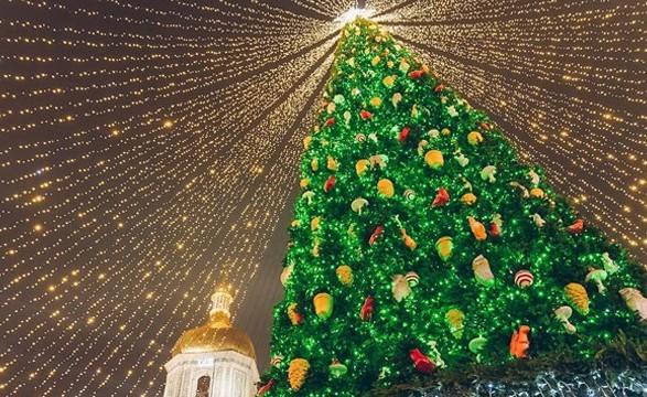 Киев готовится встретить Новый год: как будут работать праздничные локации и транспорт