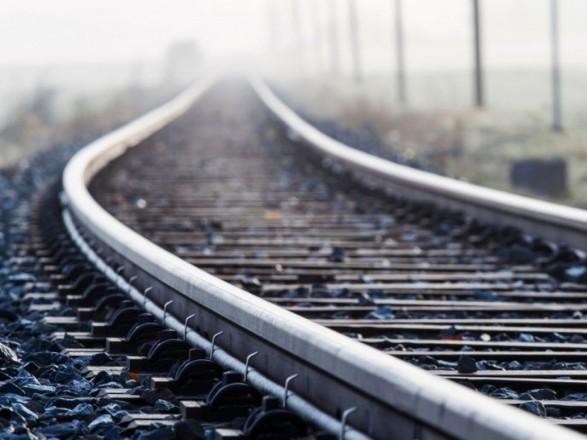 В Виннице под колесами поезда погиб мужчина