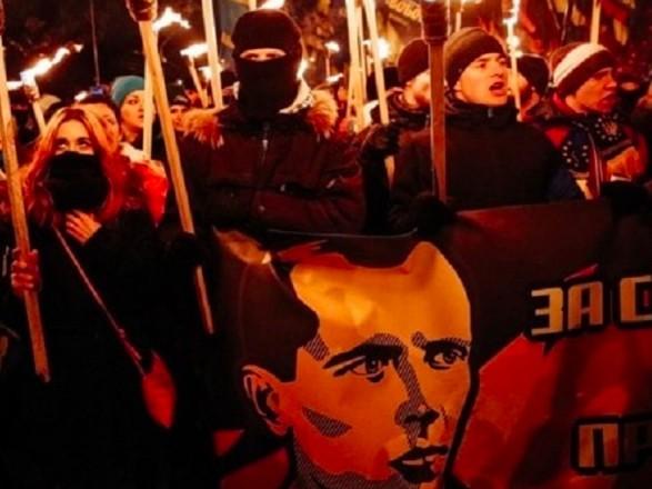 В центре Киева усилили меры безопасности из-за факельного шествия