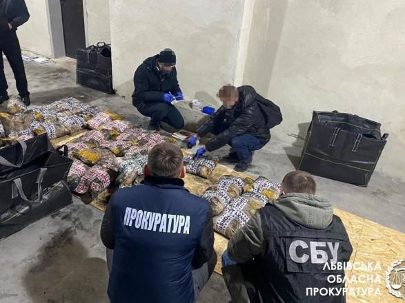 Планировали переправить в ЕС как дипгруз: рекордную партию героина на 2,3 млрд грн обнаружили во Львове