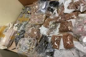 Во Львовской области следователь СБУ способствовал растрате около 25 кг арестованного золота и серебра