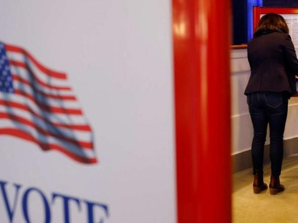 Демократы взяли под контроль сенат США, пока республиканцы захватывали Конгресс
