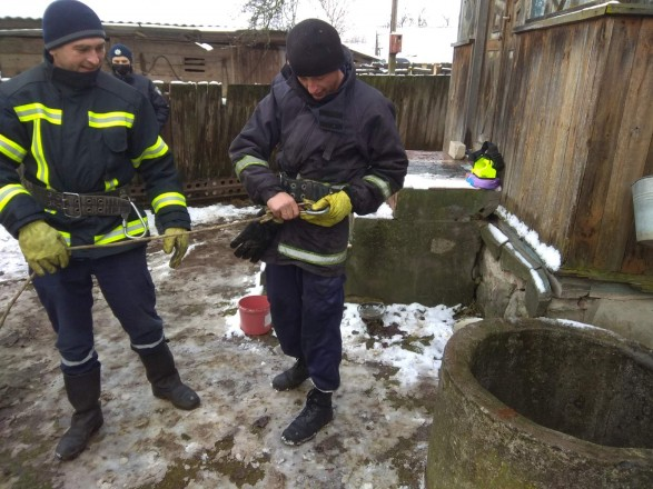 В Житомирской области мужчина утонул в колодце в собственном дворе
