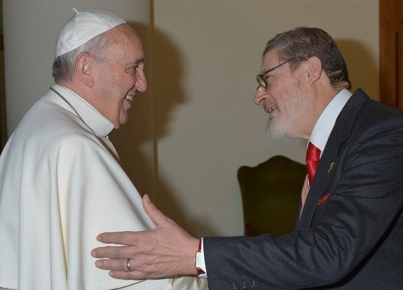 Личный врач Папы Римского умер от осложнений после COVID-19