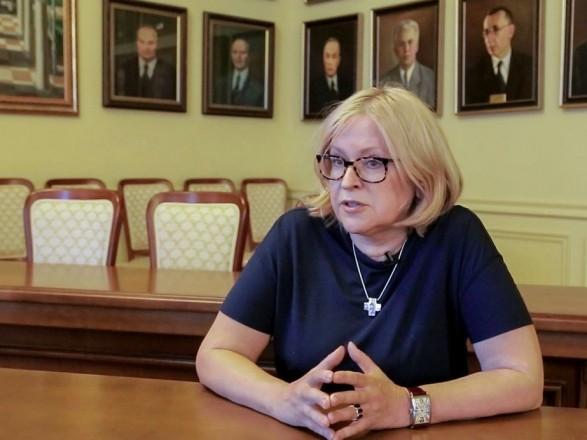 """Амосова: в Украину можно без проблем завезти до 1 тыс. доз """"контрабандной"""" вакцины Pfizer"""