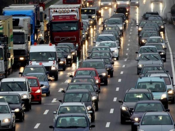 На подъезде к центру столицы образовались незначительные пробки