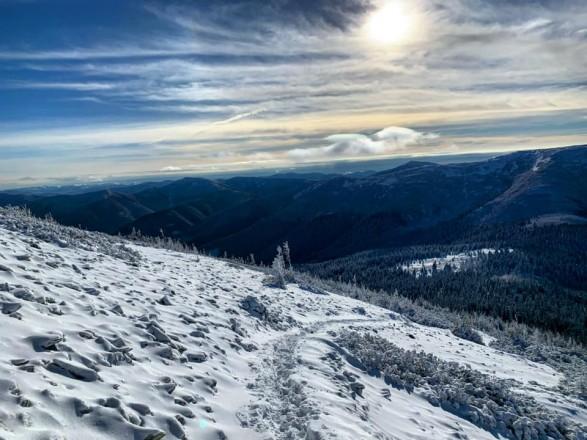 """Карпаты """"поштормит"""": туристов просят не ходить в горы"""