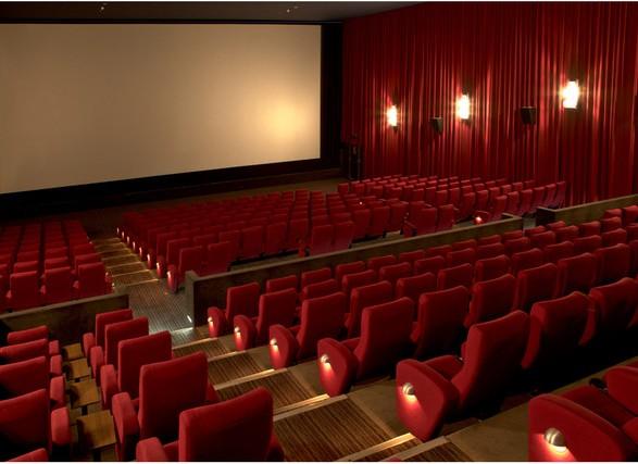 Мировая киноиндустрия в результате пандемии потеряла 7 миллиардов долларов