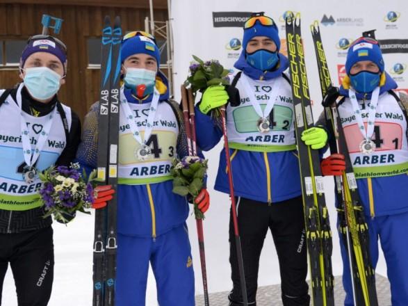 Украинская сборная получила награду в эстафете биатлонного Кубка IBU