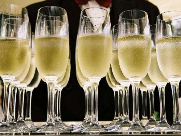 Нет поводов для праздника или почему в мире стремительно упали продажи шампанского