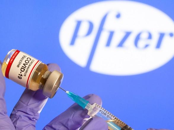 """Вакцину Pfizer проверили против """"британского"""" штамма коронавируса: указывают на эффективность"""