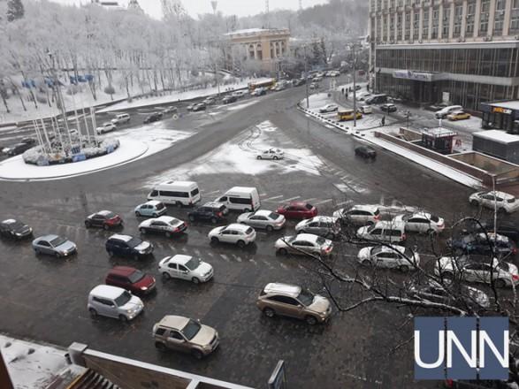На подъезде к центру Киева утром пробки