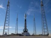 Ракета SpaceX запустила на орбіту рекордну кількість супутників