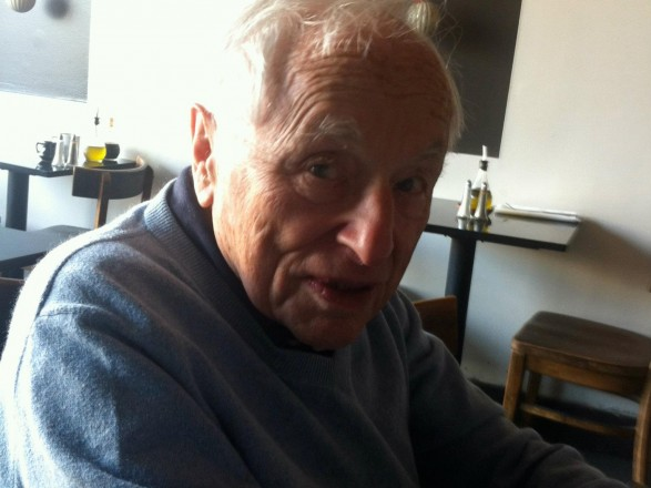 """Сценарист из """"черного списка"""" Голливуда умер в возрасте 101 год"""