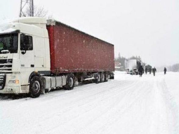 Въезд грузовиков в столицу ограничат: детали