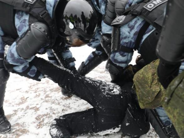 Хроники протеста: на акциях в России задержаны более 4000 человек